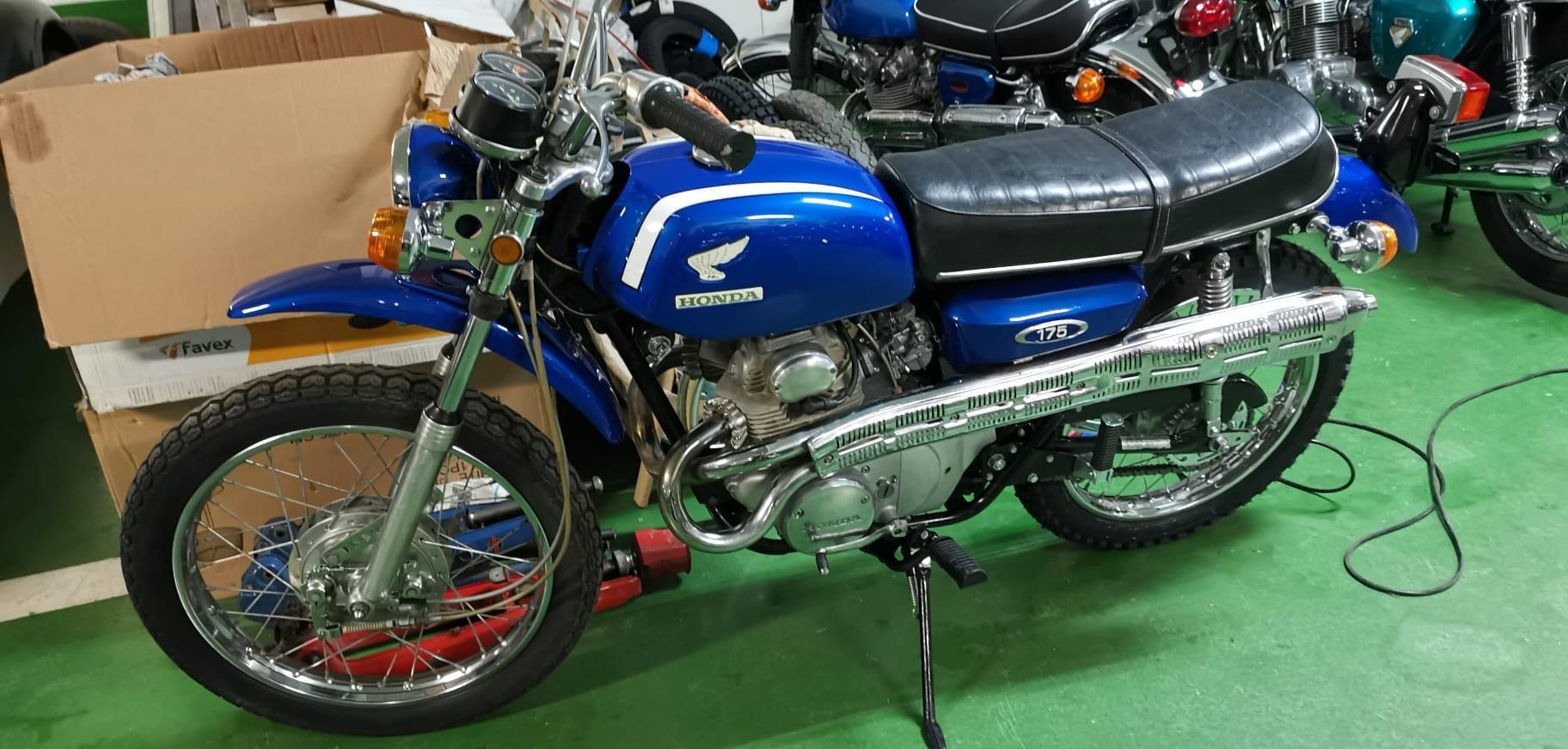 Honda  CB 92 Super Sports